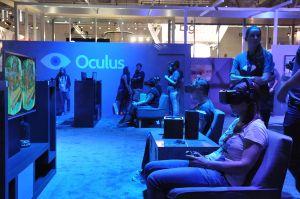 Oculus_Rift_@_Gamescom_2014_(14954490112)_(2)